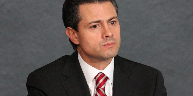 Peña Nieto inaugura Terminal Especializada de Contendores II en Michoacán