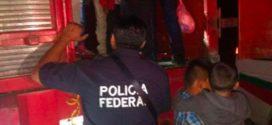 Rescatan a 191 migrantes que viajaban en condiciones infrahumanas