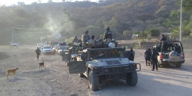 Familias de San Miguel Totolapan, Guerrero, huyen por violencia