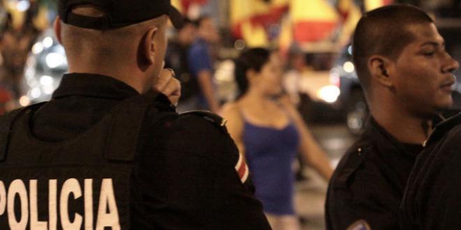 """""""Negras colombianas drogadictas"""": Mujer argentina golpea a venezolanas por tener acento extranjero"""