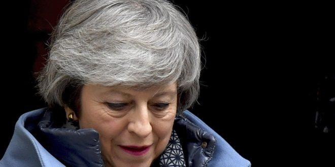 Parlamento rechaza plan de Theresa May para Brexit