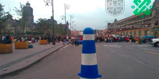 Campesinos realizan protesta frente a Palacio Nacional