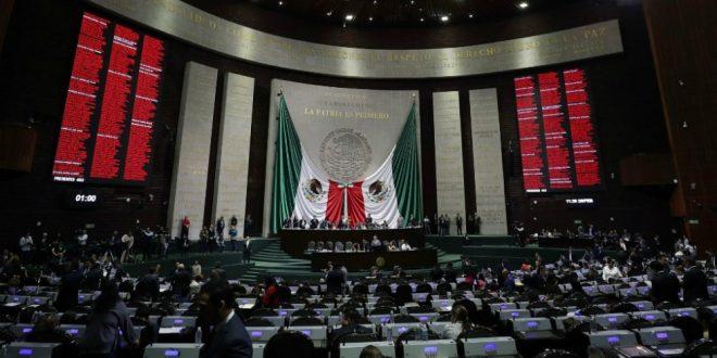 "Cámara de Diputados ""congela"" reforma educativa"